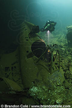 RJ42253-high_resolution_digital_picture_of_Truk_Lagoon_sunken_war_plane_by_Brandon_Cole