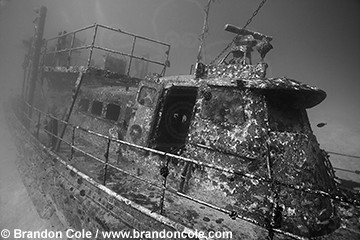 "pm0126-D. ""Lonestar"" shipwreck. Kiribati (Christmas Island), Pacific Ocean. Black and white"